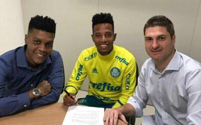 Tchê Tchê renova contrato com o Palmeiras