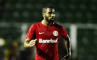 Titular nos últimos dois jogos, Junio garante evolução e analisa Inter forte na Série B