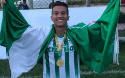 Caique, destaque da base do Palmeiras, é campeão em torneio da China