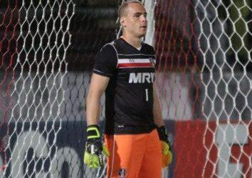 Após fechar o gol contra o Ceará, Julio Cesar aposta na força do Santa Cruz