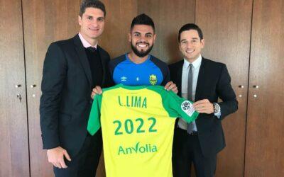 Lateral-esquerdo Lucas Lima acerta renovação de contrato com o Nantes, da França, até junho de 2022