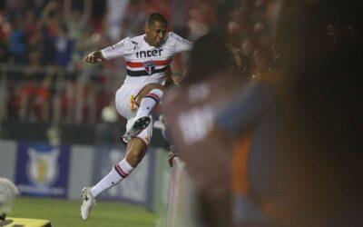Em noite de estreia, zagueiro Bruno Alves faz gol e tem atuação elogiada por Dorival Júnior