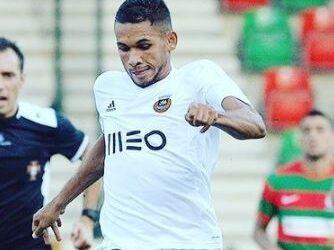 Recuperado, volante Leandrinho faz estreia oficial com a camisa do Rio Ave e recebe elogios