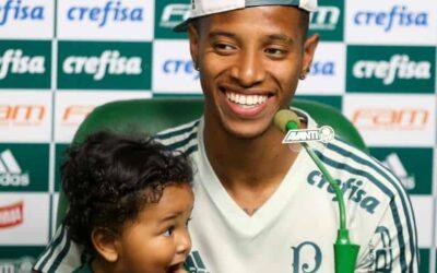 Em coletiva com o filho Rhavier, Tchê Tchê destaca confiança do Palmeiras por título brasileiro