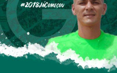 Zagueiro Raphael Silva é novo reforço do Goiás