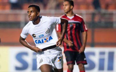 Jovem Rodrygo marca pelo segundo jogo consecutivo com a camisa do Santos e festeja: 'Eu já acreditava'