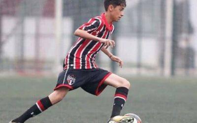 Meia Rodriguinho, da equipe Sub-15 do São Paulo, é o novo atleta da Un1que Football