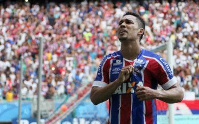 Edigar Junio decide Ba-Vi, chega a quatro gols em quatro jogos seguidos e Bahia sai na frente na decisão do estadual