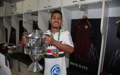Caio Felipe é campeão da Copa do Brasil Sub-20 pelo São Paulo