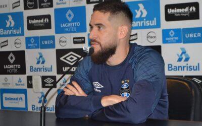 Em entrevista coletiva, lateral-esquerdo Marcelo Oliveira exalta união do grupo do Grêmio