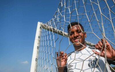 Após brilhar contra o Flamengo, atacante Rodrygo é destaque em exclusiva ao Estadão