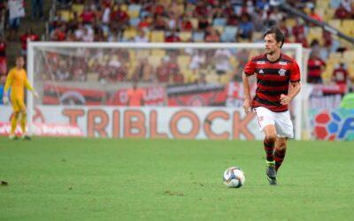 De cabeça, Rodrigo Caio marca primeiro gol com a camisa do Flamengo