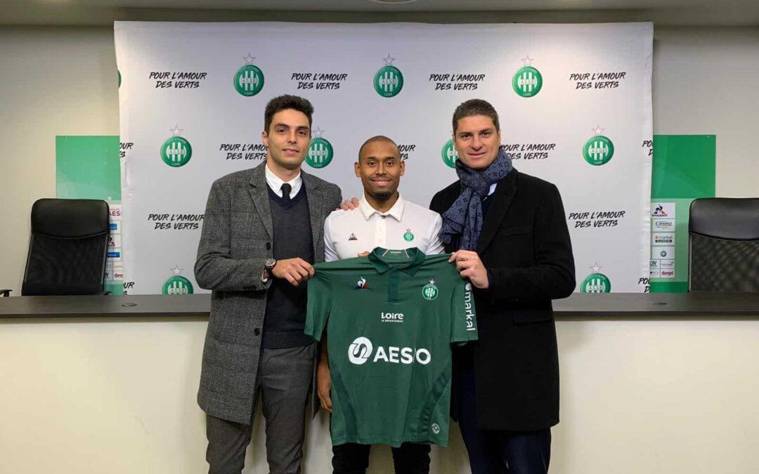 Ex-Palmeiras, Gabriel Silva renova com o Saint Étienne, terceiro colocado no Francês, até junho de 2023