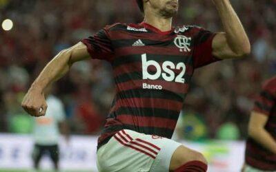 Com gol de Rodrigo Caio, Flamengo vence Corinthians e se classifica na Copa do Brasil