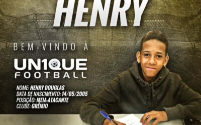 Henry Douglas, meia-atacante do Grêmio, é o novo cliente da Un1que Football