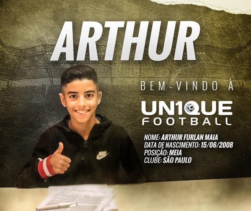 Arthur, meia do São Paulo Sub-11, é o novo cliente da Un1que Football