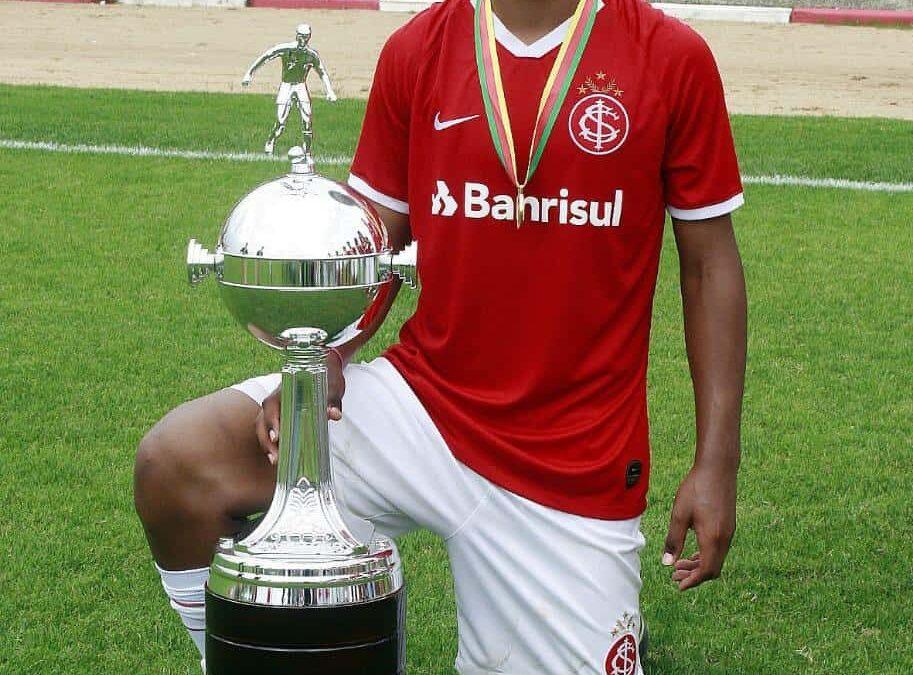 Gabriel Chokito é campeão do Gaúcho Sub-15 pelo Internacional