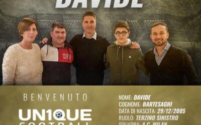 Davide, lateral-esquerdo do Milan, é o novo cliente da Un1que Football