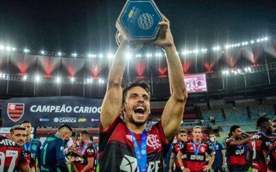 Rodrigo Caio é bicampeão do Campeonato Carioca e soma sete taças pelo Flamengo