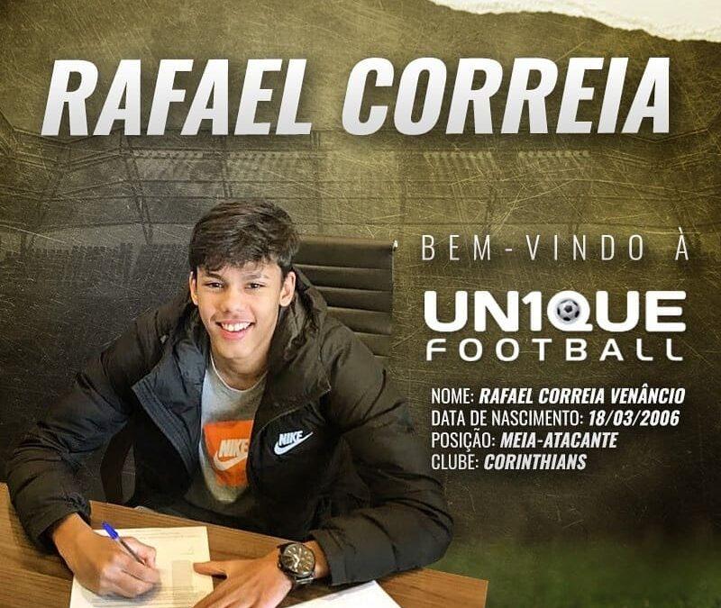 Rafael Correia, meia-atacante do Corinthians Sub-15, é o novo cliente da Un1que Football