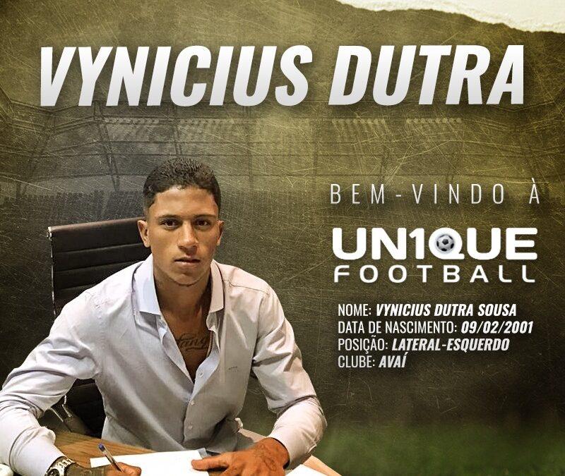 Vynicius Dutra, lateral-esquerdo do Avaí, é o novo cliente da Un1que Football