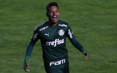 Gabriel Menino faz golaço e se torna segundo mais jovem do clube a marcar na Libertadores