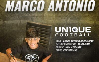 Marco Antonio, meia-atacante do Corinthians Sub-11, assina contrato com a Nike