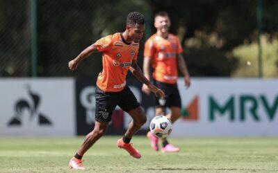 Tchê Tchê relembra infância pobre e torcida pelo Galo na Libertadores de 2013 em entrevista exclusiva à Rádio Itatiaia
