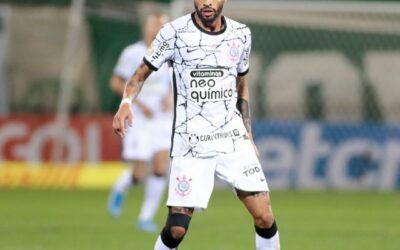 Vitinho vive melhor fase e fala em 'oportunidade da vida' no Corinthians em entrevista ao UOL
