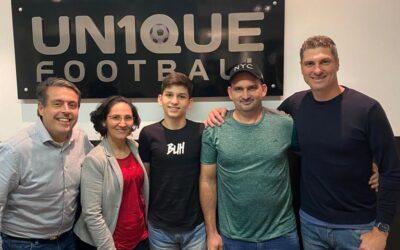 Gabriel Cocô, zagueiro do Santos, de 13 anos, é o novo cliente da Un1que Football