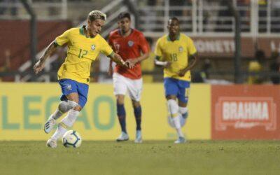 Meia-atacante Artur é convocado para a Seleção Brasileira
