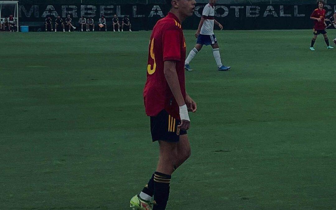 Paco Esteban participa de vitórias da Seleção Espanhola Sub-16 sobre a Rússia